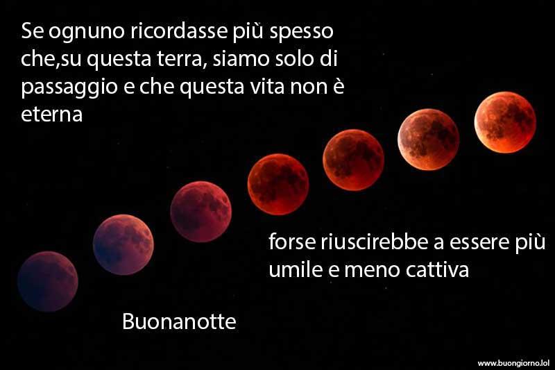 Varie lune di colore rosso sangue