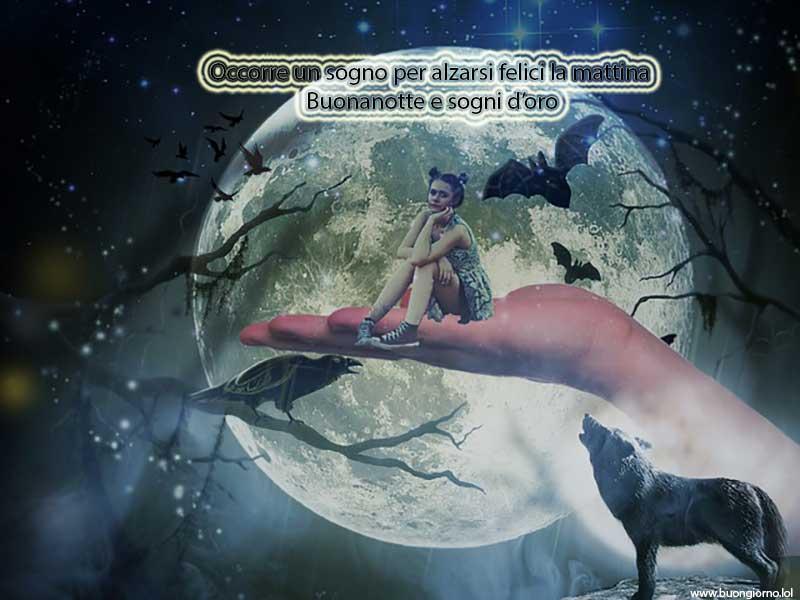 Una mano tiene sospesa una ragazza davanti alla luna piena con un lupo che ulula