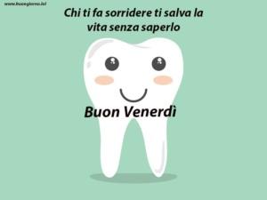 grande dente che sorride
